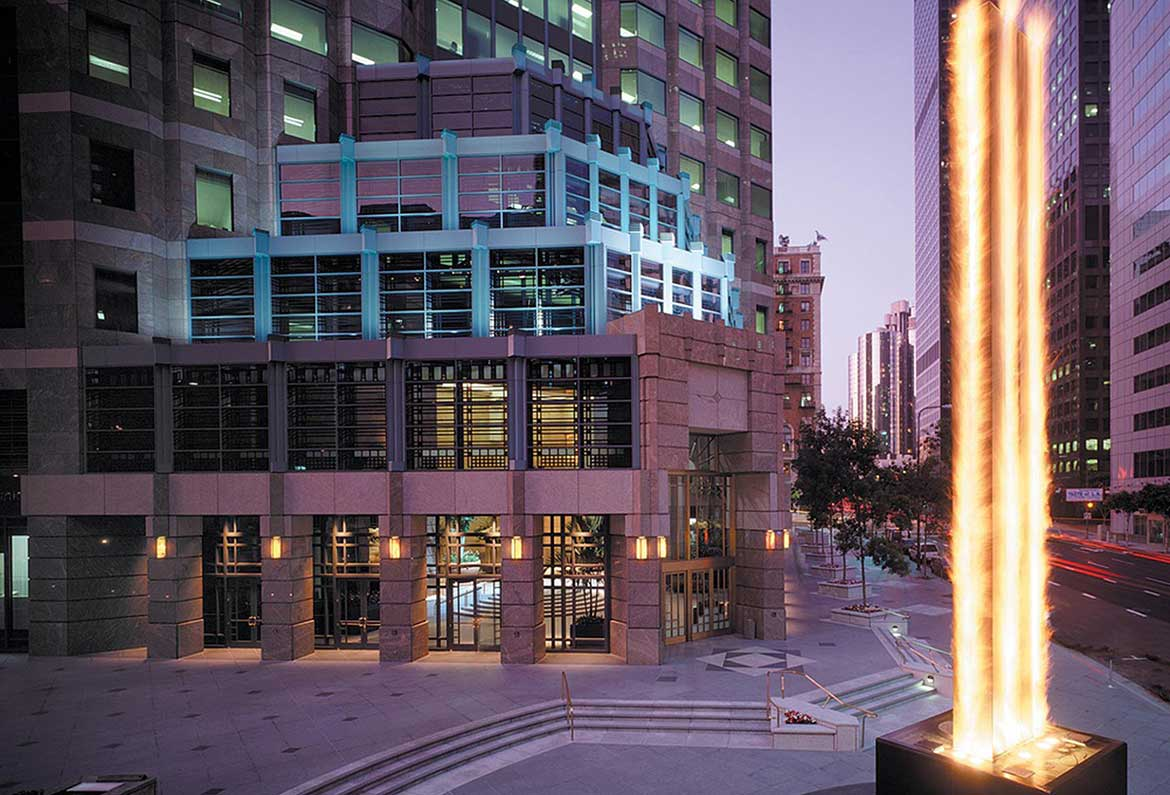 Fig at Wilshire – Plaza Fire & Water Feature